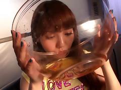 av idol drinks tons of piss