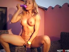 Fucking Fit MILF Squirts