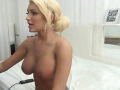 Sexxy Blonde Toys Pussy On Cam