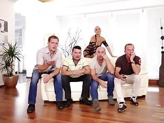 Four dudes gangbang Mea Melone and fill all her holes