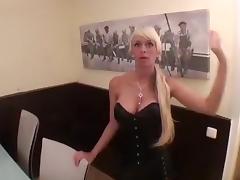 Lovely-Steffi - Der Junior-Chef fickt mich zum Doppelorgasmus