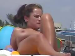 Nude Beach - Hot Women Caught on Camera
