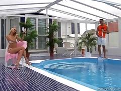 Poolboy and the bikini girl have blistering hot anal sex