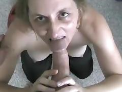 Ponytailed babe gives a steamy blowjob before getting screwed hardcore