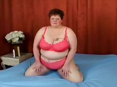 Amateur granny has her big tits bouncing as she takes a hard rod doggy style