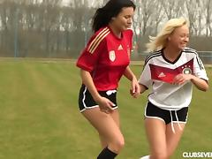 Soccer cuties on the pitch get lost in licking and tribbing
