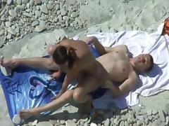 pareja playa 15