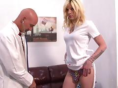 Doctor tests this hot shemale in a very hot manner