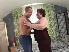 Mature BBW jiggles as his cock nails her slippery vagina