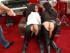 Two blondes involved in a hot ass screwing threesome action