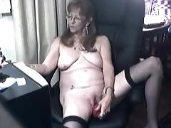 I'm toying my twat in homemade masturbation porn vid