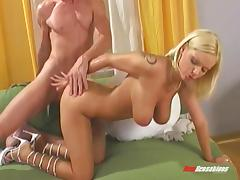 Throbbing the delicious but hole of a stunning blonde