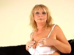 Hot Squirting Mature