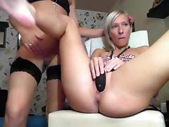 llovers4u2 private record 06/28/2015 from chaturbate