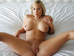 Olivia Austin in Show Off Video