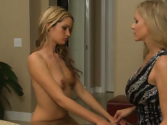 India Summer & Prinzzess & Ryan Keely & Julia Ann in Lesbian House Hunters #02, Scene #03