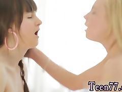 Kissing blowjob threesome Massage turns