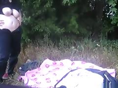 Chubby girl makes a sextape with her hippy bf in nature