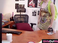 Hirsute amateur girl squirts in the office