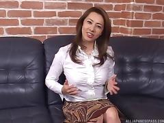 Yumi got her mature cooter licked clean then a huge cock plunged in roughly