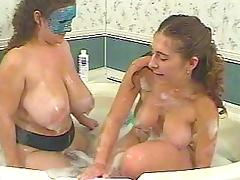 Kurvs abd Athena in the bath