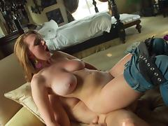 Erotic sex scenes make these pornstars cum powerfully