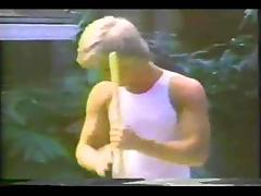 Chocolate vintage shemale drills a guy in a yard