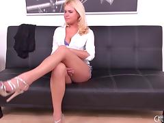 Cute solo Randy Reed spreads her legs and fucks her dildo