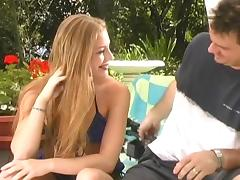 Slutty Aurora Snow does an outdoor double penetration with ease
