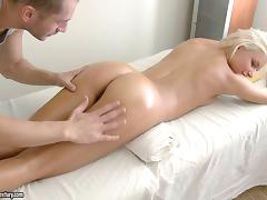 Ivy always visits the spa where the masseuse fucks her