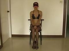 esclava usada como un juguete