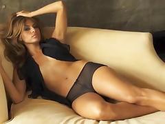 Eva Mendes senza veli