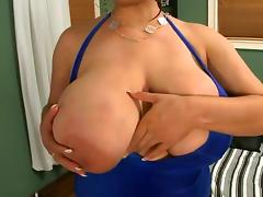 Large natural boobs latina fucked