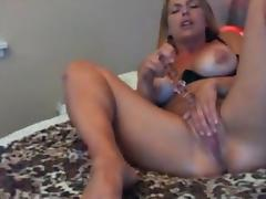 sexy girl cums squirts