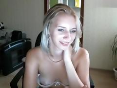 Blonde Ororagazza squats on sex toy