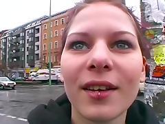 Strassenmaedchen in Deutschland