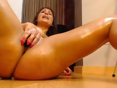 Bestial milf masturbate and squirt a lot