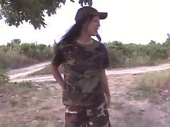 2 lesbiennes uniformes militaire