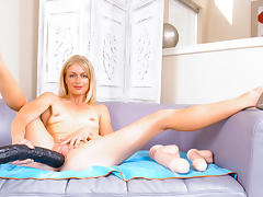 Bella Bends in My Gigantic Toys #18, Scene #04