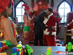 Slutty Mrs Claus and a horny Santa with tattoos fucking