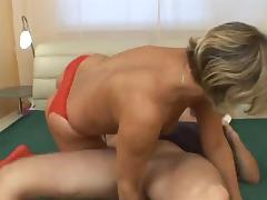Blonde mature woken upo and fucked