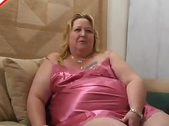 Fat belly slut in soft satin lingerie blows a lucky man