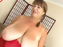 Chubby old lady shows off her talents for sucking dick