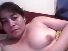 Latina mature amateur play in bed for me