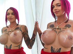Anna Bell Peaks in Hot Milf squirts all over the dick - BangBros