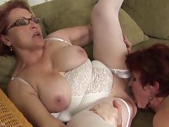 Woman gallops cum from the hard cock ahead of hardcore throbbing in a reality shoot