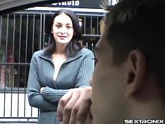 Buds pick up a slut from the street and spit roast her hardcore