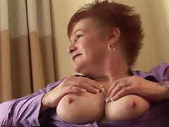 Huge mature boobs are gorgeous in a beautiful blowjob