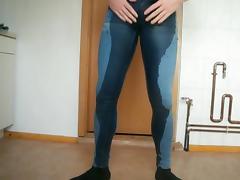 Ordendlich nasse Jeans