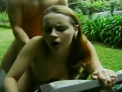 Lusty Couple Has Public Sex In The Park